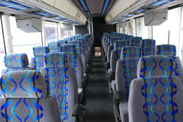 30-person-shuttle-bus-rental-southaven