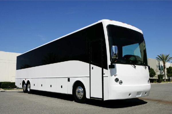40-passenger-charter-bus-rental-horn-lake