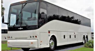 50-passenger-charter-bus-horn-lake